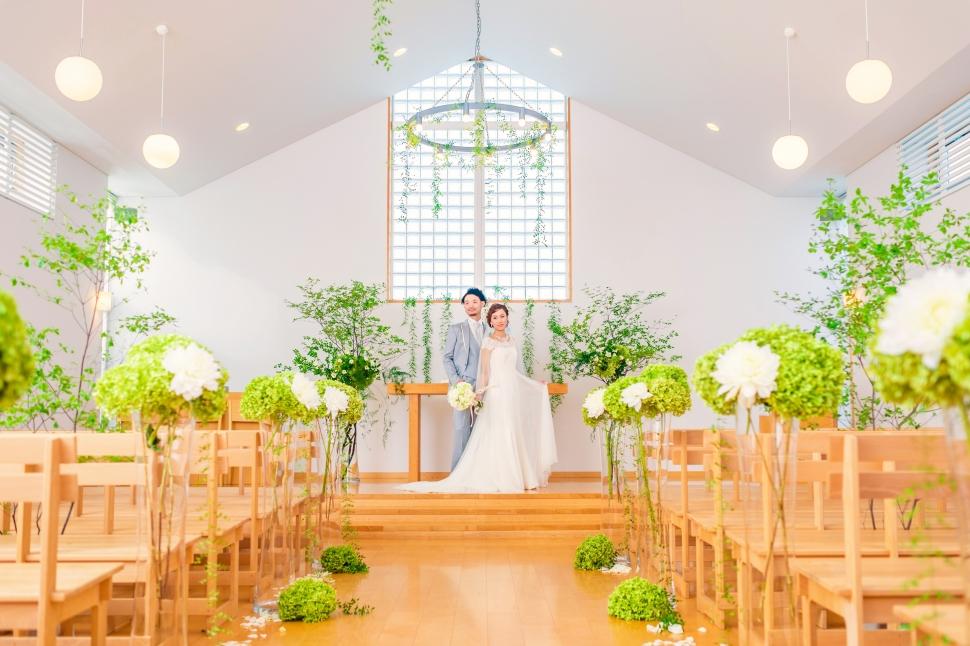 清々しい木の香の中アーマテラスで挙げる結婚式