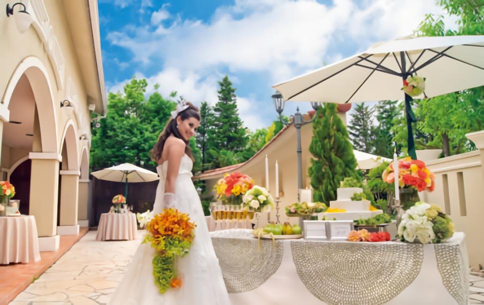 結婚式場St.ヴェルジェのガーデンで行うデザートブッフェ