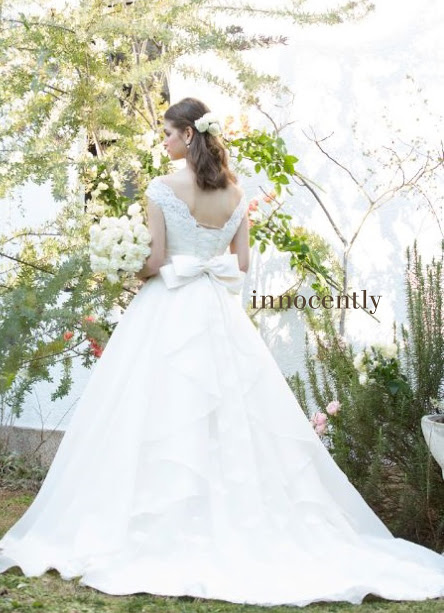 Aラインドレスを着た花嫁