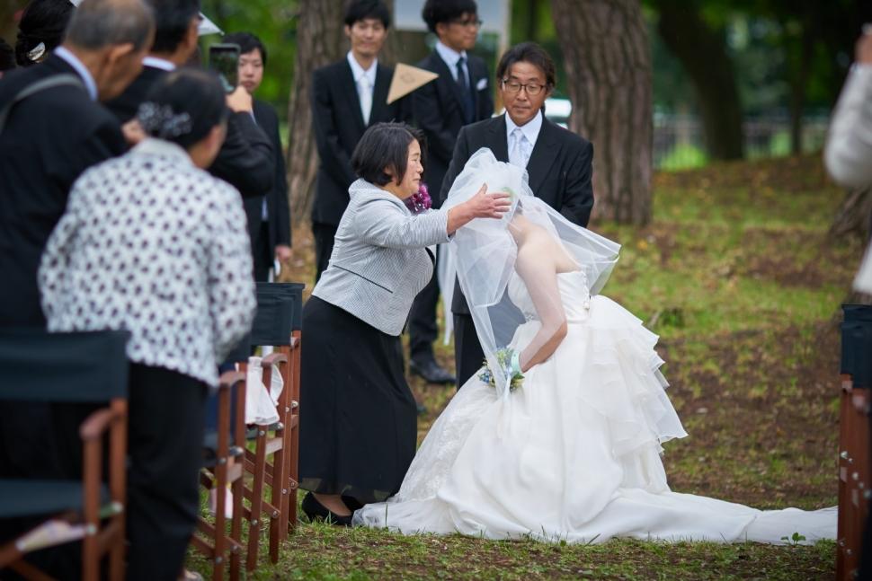 お母様にベールダウンしてもうう花嫁