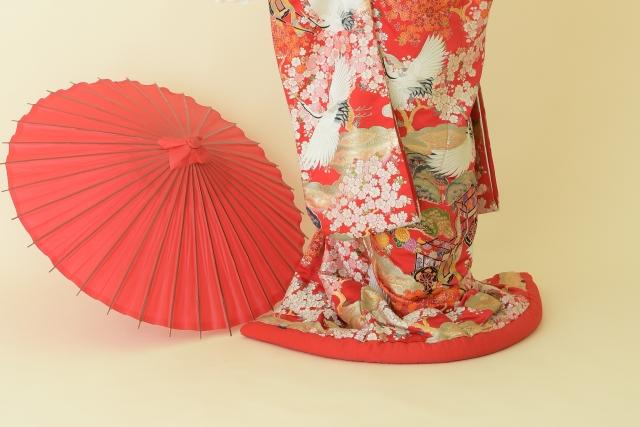 色打掛を着る花嫁
